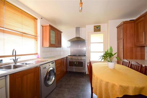 3 bedroom end of terrace house for sale - Elms Vale Road, Dover, Kent