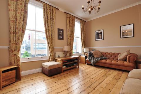 2 bedroom house to rent - Packington Street, Islington, London, N1
