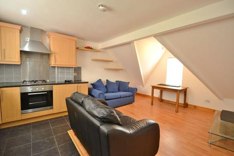 2 bedroom flat to rent - Brookfield Avenue, Leeds, LS8 4HY