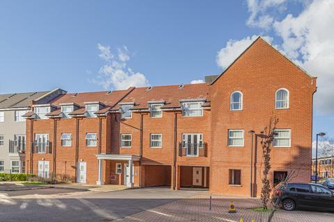 2 bedroom apartment to rent - Ashville Way, Wokingham, RG41