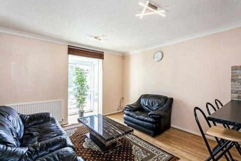 2 bedroom house to rent - New Cross SE19