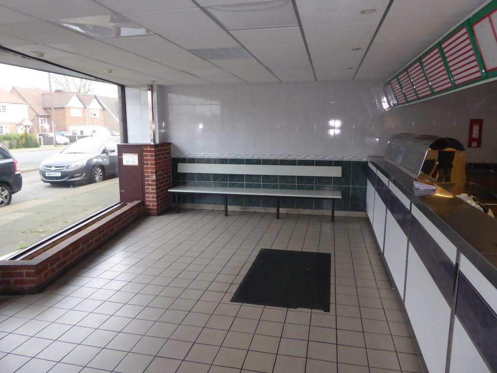 Front sales area (Ma