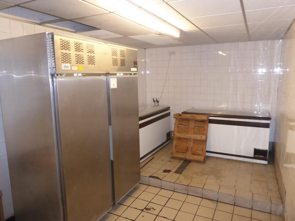 Rear kitchen/food st