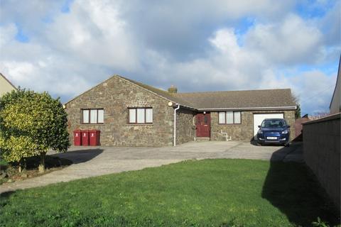 3 bedroom detached bungalow for sale - Gwynlowri, Abercastle Road, Trefin, Haverfordwest, Pembrokeshire