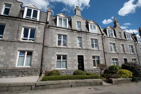 2 bedroom flat to rent - Pitstruan Place, Top Left, AB10