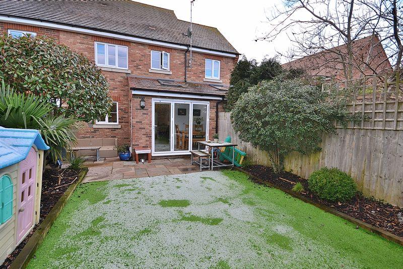 Manor Avenue Hockliffe 4 Bed Detached House For Sale 163