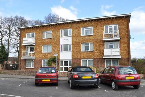 2 bedroom apartment to rent - Spiers Way, Horley, Surrey, RH6