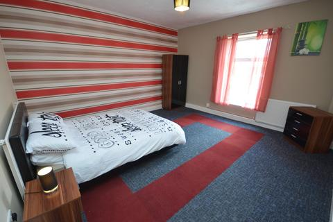 Studio to rent - Blackburn Road, Lynwood, Darwen