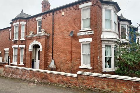 3 bedroom end of terrace house - West Parade, Lincoln