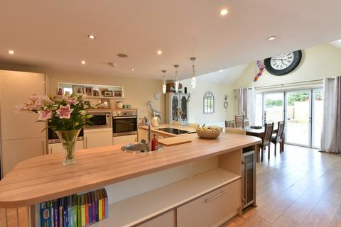 3 bedroom semi-detached house for sale - Liverpool Road South, Burscough