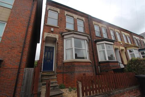 5 bedroom end of terrace house for sale - Welford Road, Leicester