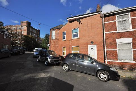 2 bedroom apartment to rent - Kitchener Street, York