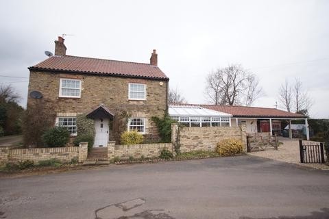 3 bedroom cottage for sale - Church Road, Upton, Gainsborough