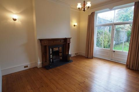 6 bedroom semi-detached house to rent - Forest Road, Aberdeen, AB15