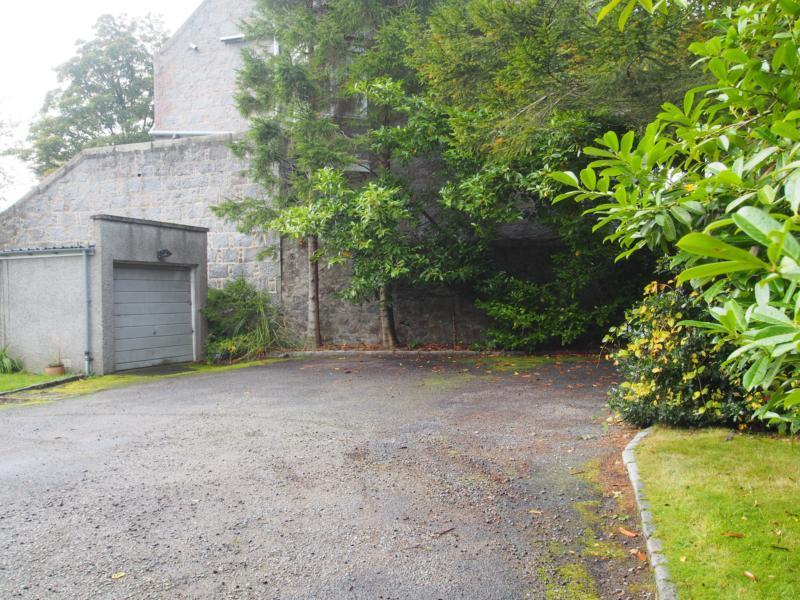 External − Garage