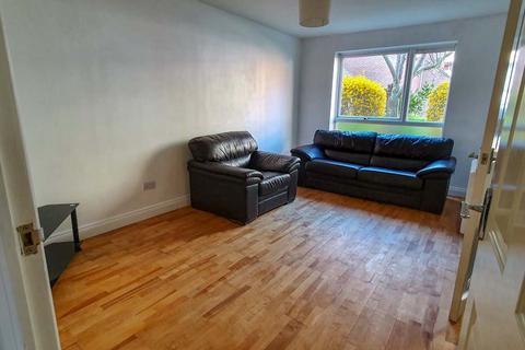 1 bedroom flat to rent - London  W3
