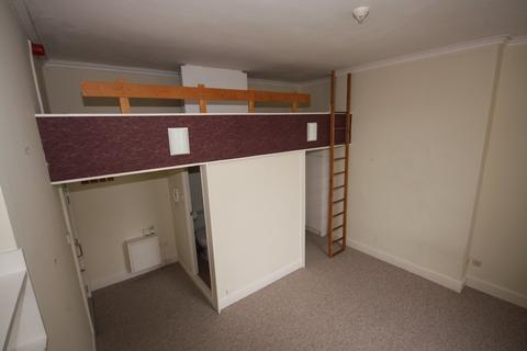 Studio to rent - Flat 8, 31 Pittville Lawn