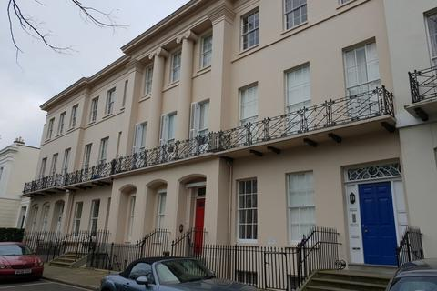 Studio to rent - Flat 8, 37 Pittville Lawn