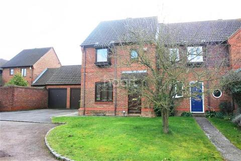 3 bedroom semi-detached house to rent - Winkfield RG42
