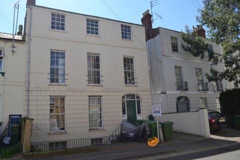 1 bedroom flat to rent - Grosvenor Street, Basement Flat, GL52 2SQ