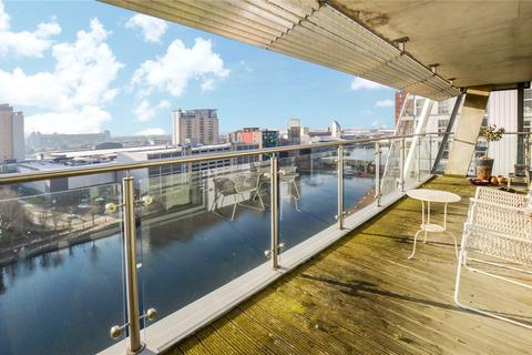2 bedroom apartment for sale - NV Building, 100 The Quays, Salford Quays, Greater Manchester, M50