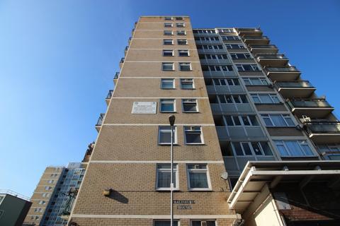 2 bedroom flat to rent - Salisbury House, Hobday Street, London, E14