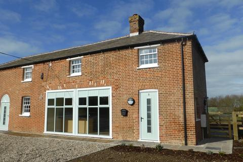 2 bedroom semi-detached house to rent - The Coach House, Hammonds Farm, Hammonds Road, Chelmsford