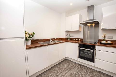 2 bedroom apartment to rent - Benbow Street, Sale, Greater Manchester, M33