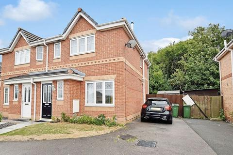 3 bedroom semi-detached house to rent - Redtail Close, Runcorn