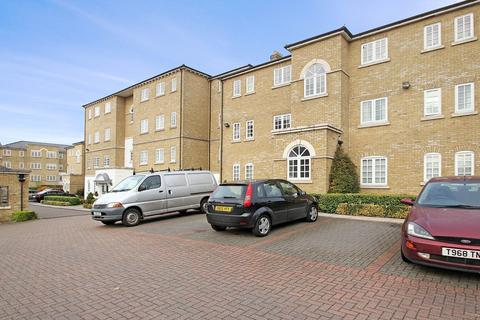 2 bedroom flat to rent - Gilbert Close, Woolwich SE18