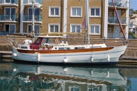 Houseboat for sale - Brighton Marina