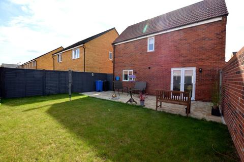3 bedroom detached house for sale - Mulberry Gardens, Great Cornard CO10 0FP