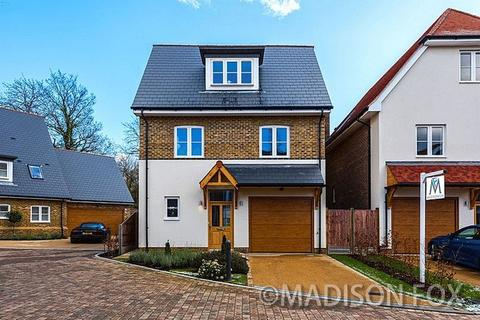 4 Bedroom Detached House For Sale Chigwell Village Chigwell