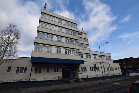 1 bedroom flat for sale - Riverside Heights, Dock Road, Tilbury, Essex