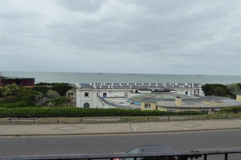 3 bedroom house to rent - Fort Crescent, Margate