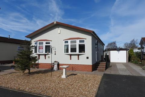 2 bedroom park home for sale - The Brambles, Wincham, Northwich