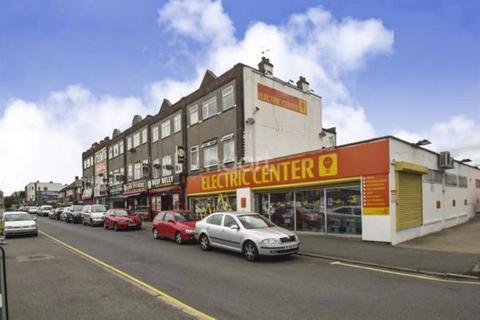 1 bedroom flat to rent - New Broadway, Hillingdon, UB10