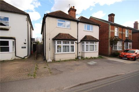 4 bedroom semi-detached house to rent - Manor Road, Guildford, Surrey, GU2