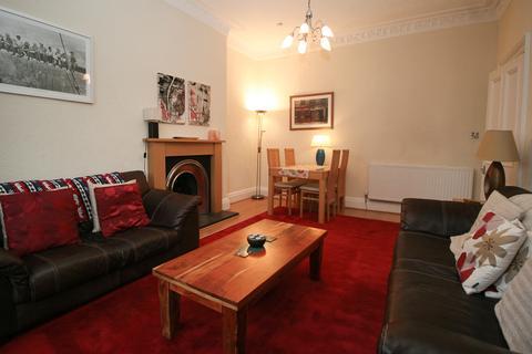 3 bedroom ground floor flat to rent - East Claremont Street, Edinburgh EH7