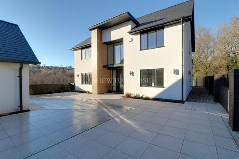 5 bedroom detached house for sale - Hengoed, Mid Glamorgan