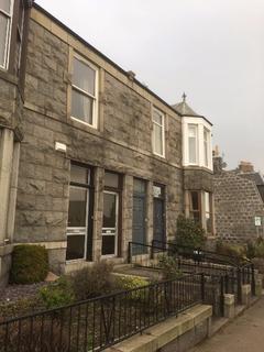3 bedroom flat to rent - Leslie Road, Old Aberdeen, Aberdeen, AB24 4HU