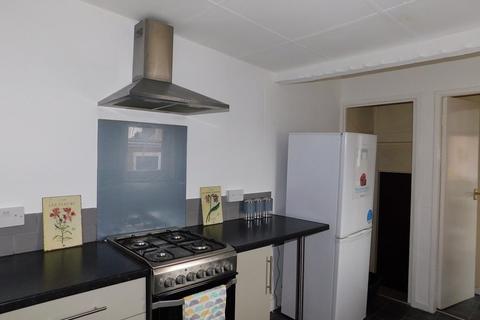 3 bedroom flat to rent - Rosebery Avenue, Gateshead
