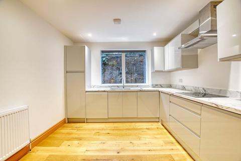 3 bedroom apartment for sale - Lockhart Street, Mile End, E3