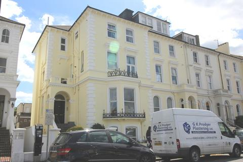 2 bedroom flat for sale - Hyde Gardens, Town Centre, Eastbourne BN21
