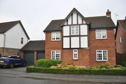 4 bedroom detached house for sale - Pollards Green, Chelmer Village, Chelmsford, Essex
