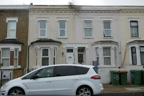 6 bedroom terraced house to rent - Studley Road, Newham E7