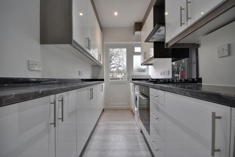 4 bedroom house to rent - Durley Avenue, Pinner, Middlesex, HA5 1JH