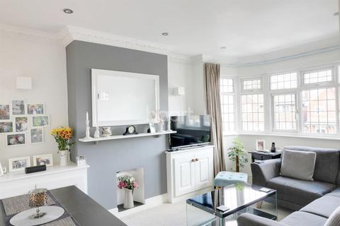 2 bedroom maisonette for sale - Tomswood Hill, Barkingside
