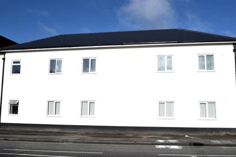 Studio to rent - Pinfold Street, Darlaston, Wednesbury