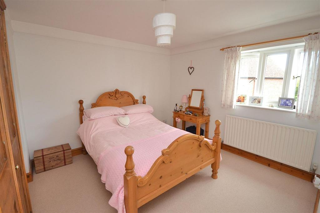 Bed 2a (1).jpg